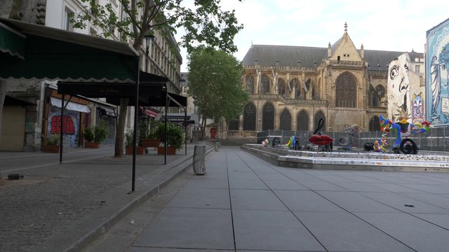 Empty Stravinsky Fountain Square In Paris thumbnail