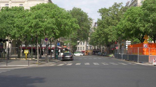 Chatelet Empty Street In Paris  thumbnail
