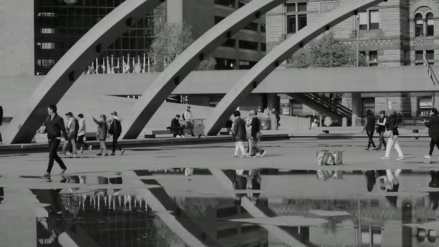 Tourists in the City thumbnail