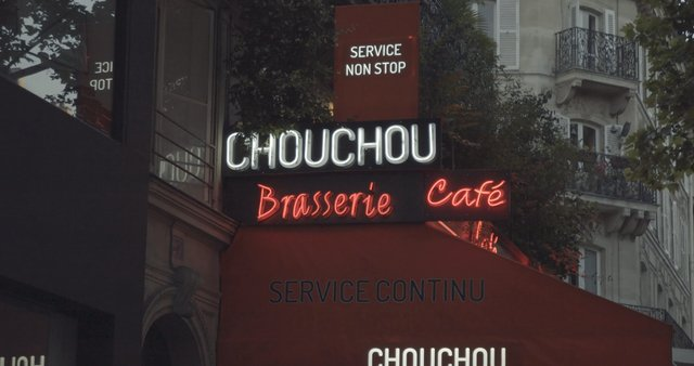 Brasserie Cafe in Paris  thumbnail