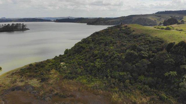 Green Lake In Raglan, NZ  thumbnail