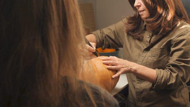 Mom Draws on the Pumpkin thumbnail