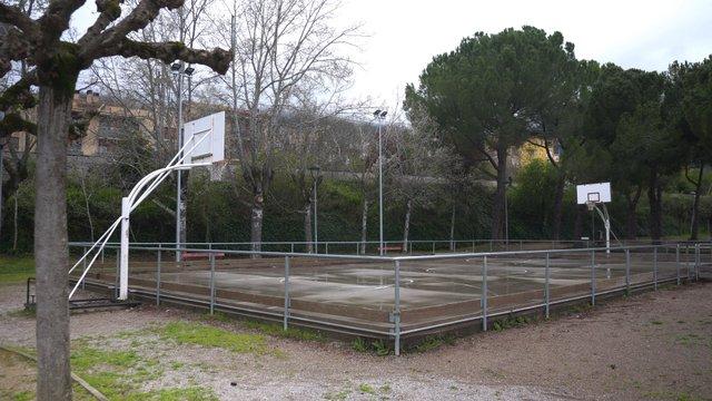Empty Public Basketball Court thumbnail