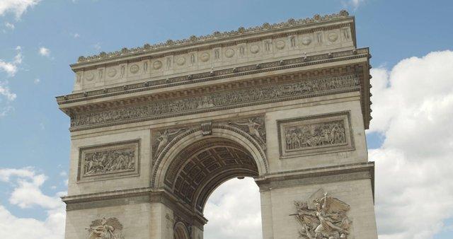 Arc de Triomphe Close-up thumbnail