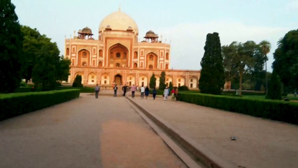 Hyperlapse of Humayun tomb.