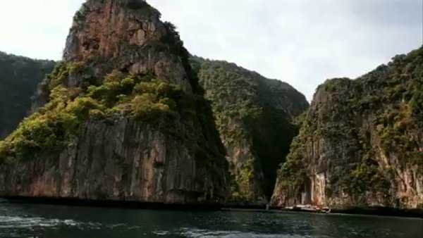 A glimpse of the Phi-Phi Island Tour-Maya Bay.