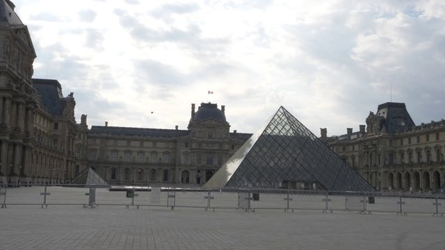 Empty Louvre Museum & Tuileries Palace thumbnail