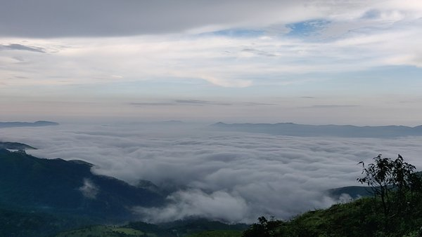 A road trip to the highest moutain peak in Karnataka