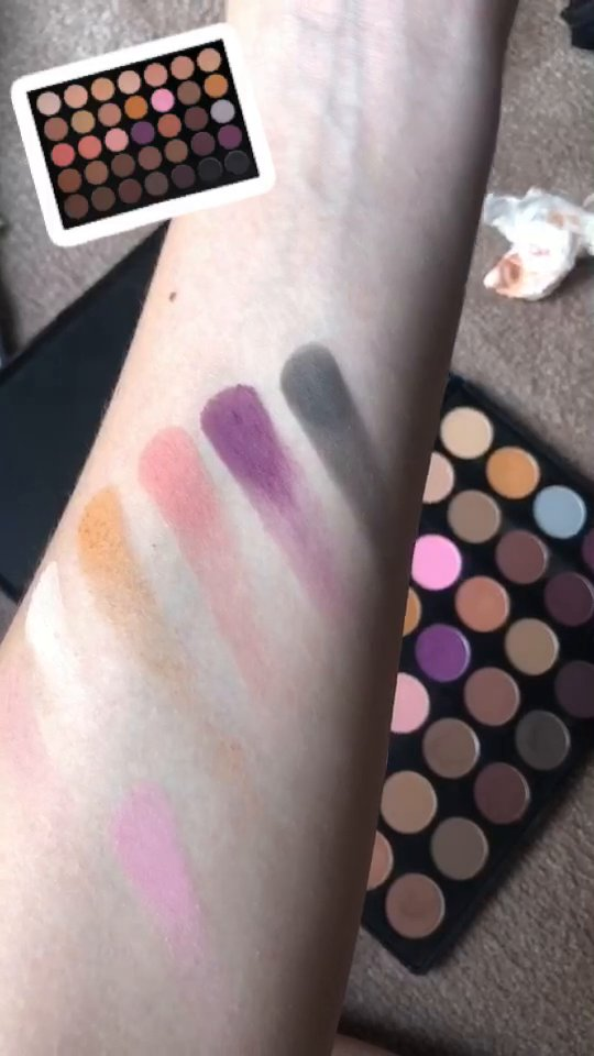 review of  Morphe 35N - 35 Color Neutral Eye Shadow Palette by Morphe