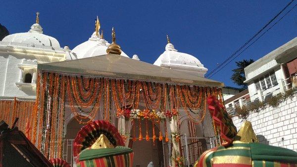 Closing gangotri shrine