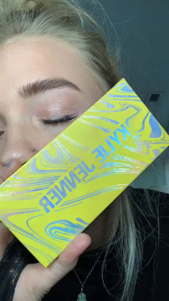 review of Kylie Cosmetics Kyshadow, Calm Before the Storm Eye Shadow Palette