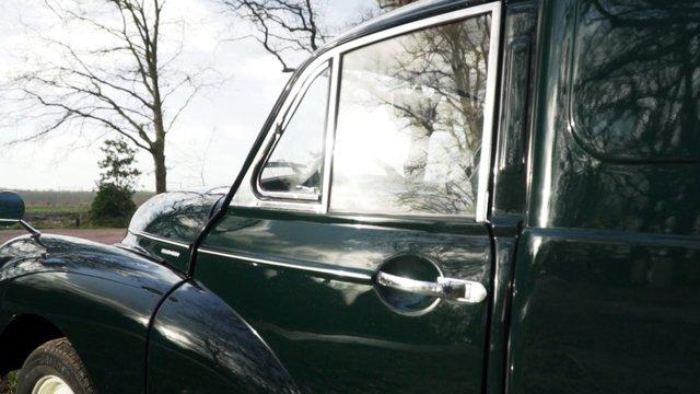Side Shot Of A Vintage Car thumbnail