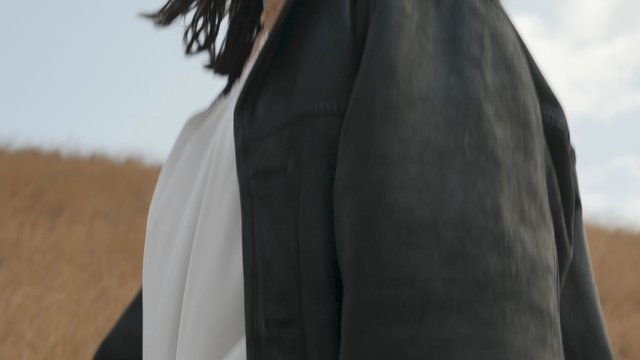 The Wind Blows on the Girl's Clothes thumbnail