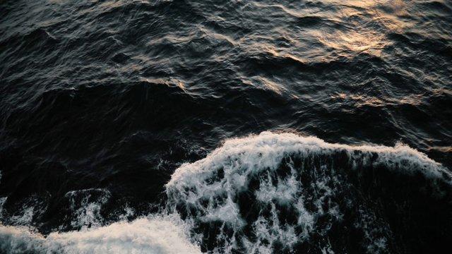 Ocean Waves thumbnail