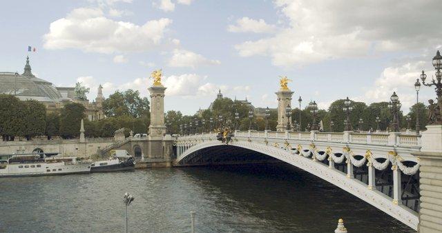 Timelapse of Pont Alexandre III Bridge in Paris, France thumbnail