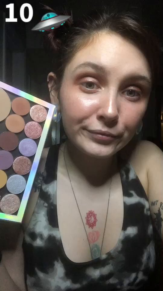 review of  Holographic Large Palette