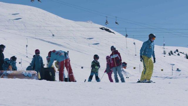 Skiing Trick thumbnail