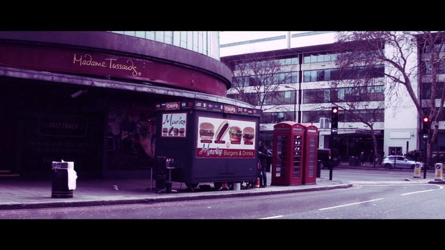 Madame Tussauds and a Food Stand thumbnail