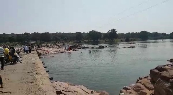 WATER ALWAYS A REFLECTION OF YOUR .YES YOU CAN SAW IN BETWA RIVER