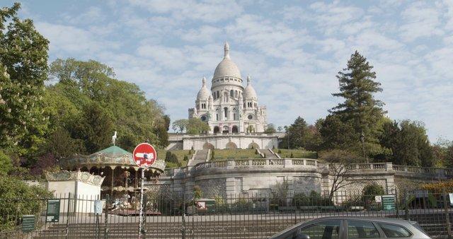 Sacre Coeur Wider View thumbnail