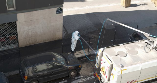 Cleaning Championnet Street in Paris thumbnail