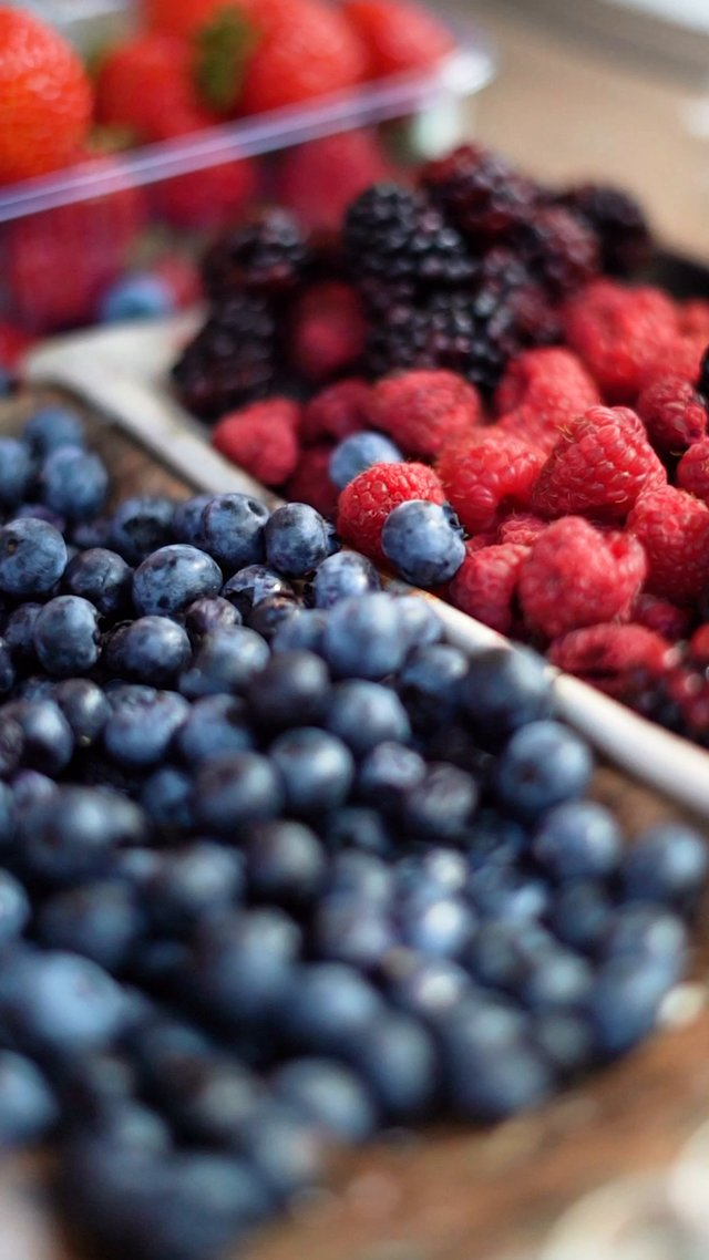 Colored Berries thumbnail