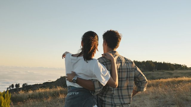 A Couple Walks on the Hill thumbnail