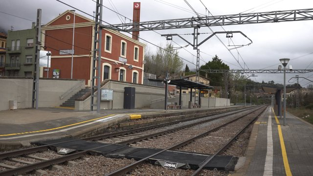 Empty Centelles Train Station thumbnail