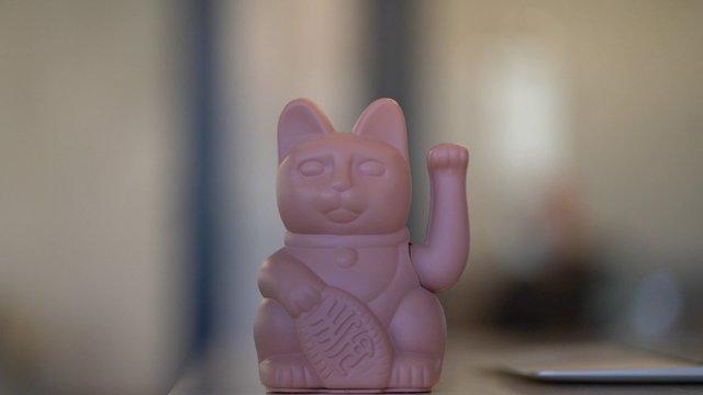 Pink Maneki Neko thumbnail