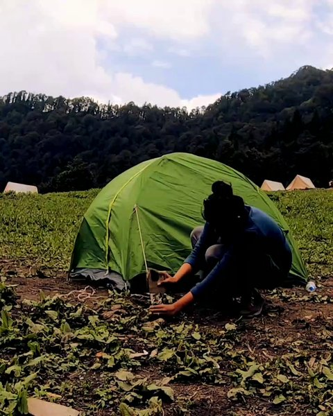 A Quick Guide - How to Setup your tent on a trek. #byot #camping #trekking #backpacking
