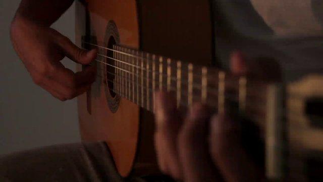 Man Plays the Guitar thumbnail