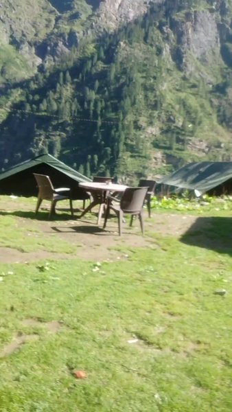 adventurous trekking to Kheerganga it's not only about what your eyes see but it's what you can feel