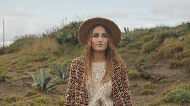 Girl in a Beige Hat thumbnail