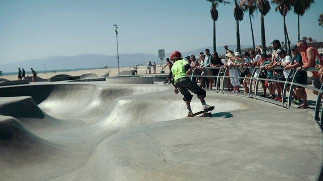 Skater in the Park thumbnail