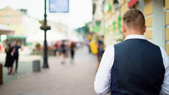 Business Man Walking  thumbnail