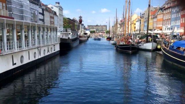 Boat Lapse in Venice thumbnail