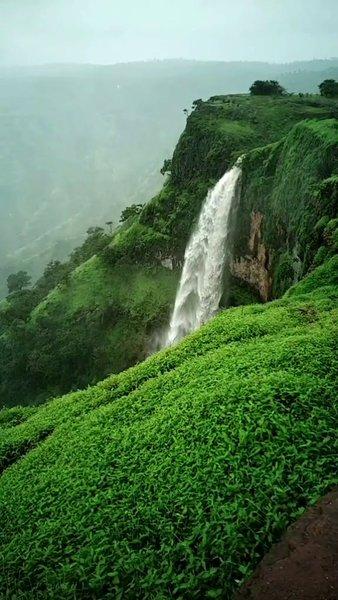 Wonderfull lingmala waterfall,mahabaleshwaar.