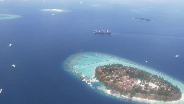 #Maldives : my solo trip to maldives. The county of islands. Water has 50shades of BLUE.