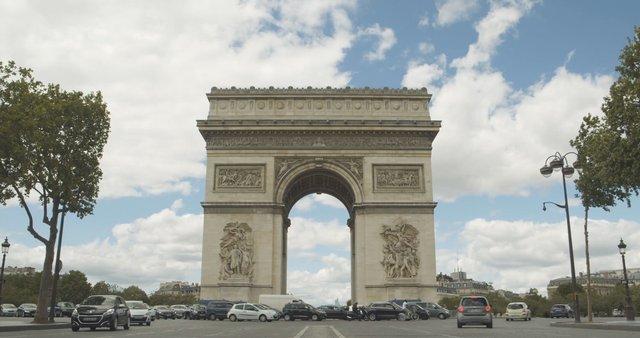 Timelapse of Arc de Triomphe in Paris, France thumbnail