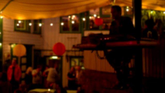 Party DJ-ing thumbnail